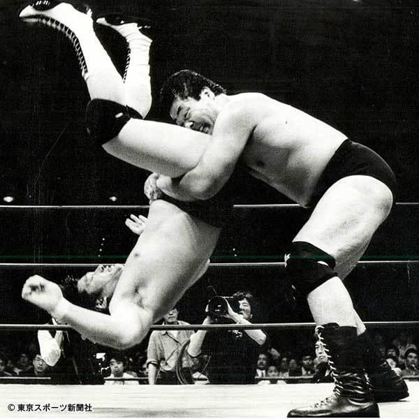 プロレスこそ最強の格闘技ですよね? イャァオ!