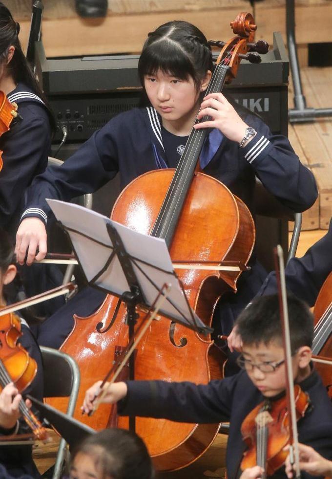 チェロを弾くのはどんな人ですか。 オーケストラでは地味だし、室内楽でも低音をやらされる。 ソナタもそれほど多くはないし、 ましてや協奏曲の主役で、大観衆から拍手を浴びることもない。 ヴァイオ...