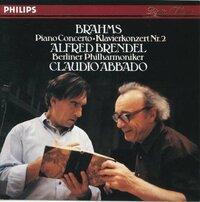 ブラームスピアノ協奏曲第2番。アルフレッド・ブレンデル(ピアノ)。クラウディオ・アバド指揮。ベルリンフィル管弦楽団。 こちらのCDのブレンデル氏の、ピアノ演奏は、トップレベルにお上手で良いでしょうか。そうでもないでしょうか。 ブラームスピアノ協奏曲は、ピアニストには高度で難易度が高いそうですが。付いていって弾きこなしていると十分に言えますでしょうか。 わかりましたら、よろしくお願いいたします。