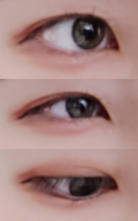 ⚠目の画像あり⚠ これは末広二重ですか?奥二重ですか? 調べても人によって意見が違ってよくわかりません。 上から 真顔の目、笑った目、下向きの目です