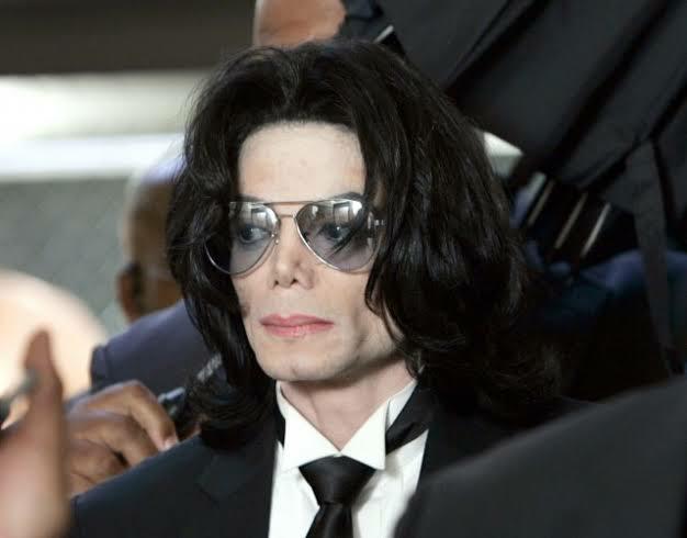 マイケル・ジャクソンにせもの?