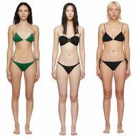 骨格タイプが全くわからないです。この写真の3人のモデルさん方がそれぞれ骨格ウェーブ、ストレート、ミディアムのどのタイプなのか教えて下さい!