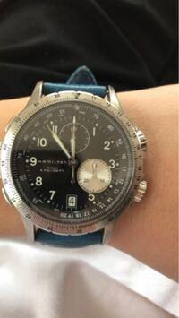 中学生3年です。 父親からハミルトンの時計を貰いました。 中学生が高級な時計をつけていたら生意気でしょうか?外でつけていたらどんな目で見られるのかが知りたいです。