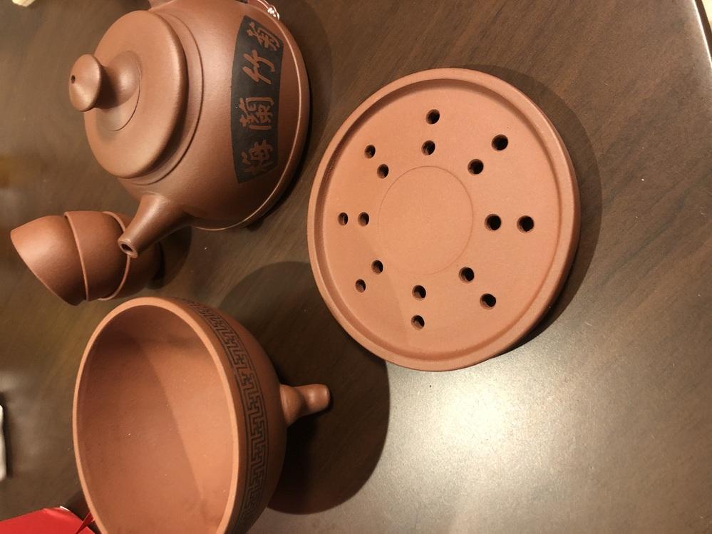 中国の茶器使用法 こちらの茶器をいただいたのですが、使い方がわかりません。ご存知の方、教えていただけないでしょうか。