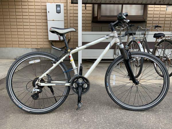 これはクロスバイクですか?マウンテンバイクですか? 自転車初心者なので調べてみましたが違いがわかりません メーカーはK2というメーカーでRikkiと書いてありました 祖父からもらい10年ほど前に買ったそうです