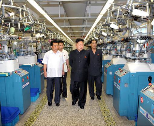 北朝鮮の国営工場で作られる覚醒剤の品質には定評がありますが、中国輸出用のかつらの品質はどうなのでしょうか? 少女たちの労働力を搾取して製造しているらしいですが、人権無視が当然の北朝鮮の各種強制収...