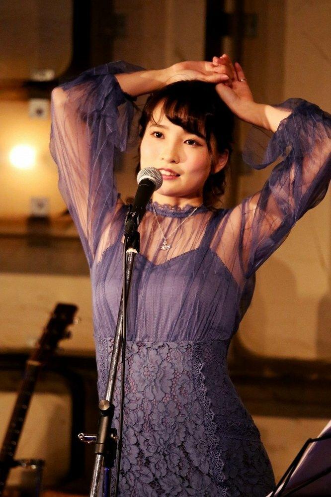 枢木あおいは 歌手と女優のどちらに絞れば成功するでしょうか?