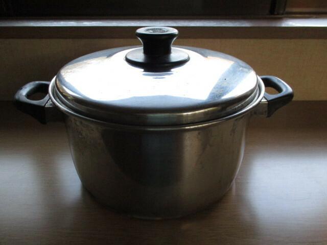 これは、家庭用としたら、大きな鍋で、 直径25cm、深さ14cmありますが、 業務用のような特別な物に入るので しょうか?