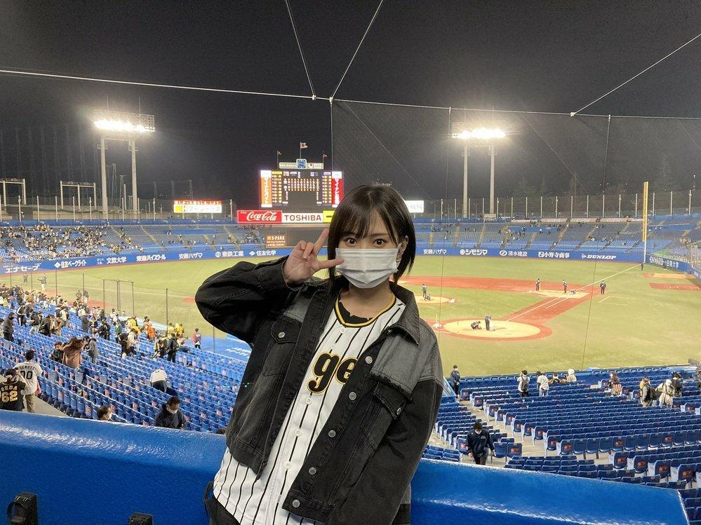 今年のプロ野球。 阪神タイガースが強いのか、読売ジャイアンツが弱いのか、はたしてどっちなのでしょうか。