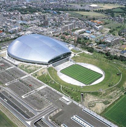 北海道日本ハムファイターズは数年後に本拠地を北広島市に移しますが、J1北海道コンサドーレ札幌のホームグラウンドであるだけで、 札幌ドームは維持管理してもらえるのですか?試合開催日以外の日を他のイベントで埋めようにも、ほとんど埋まらないのではないかと危惧しています。札幌ドームの経営は赤字垂れ流しになるのでしょうか?