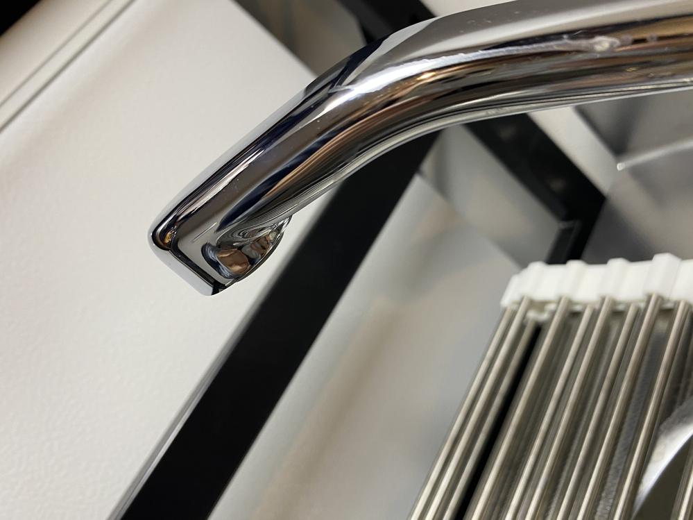 ネジがなく、ストレートに部分が10mm以下だと思うのですが、この場合、蛇口直結型の浄水器をとりつけることは不可能ですか?