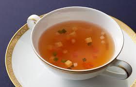 スープ類、何が特に好きですか? 味噌汁、豚汁、コンソメスープ、コーンポタージュ、etc 私はどれも好きなんですが、特にコンソメがお気に入り!