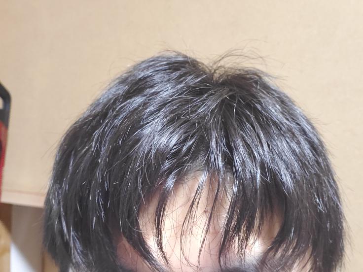 高校3年の男です 髪が毎回このように曲がってしまうんですがどうしたらまっすぐになりますか?