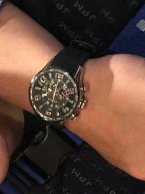 この腕時計のブランドわかる方教えてください! 宜しくお願いします。