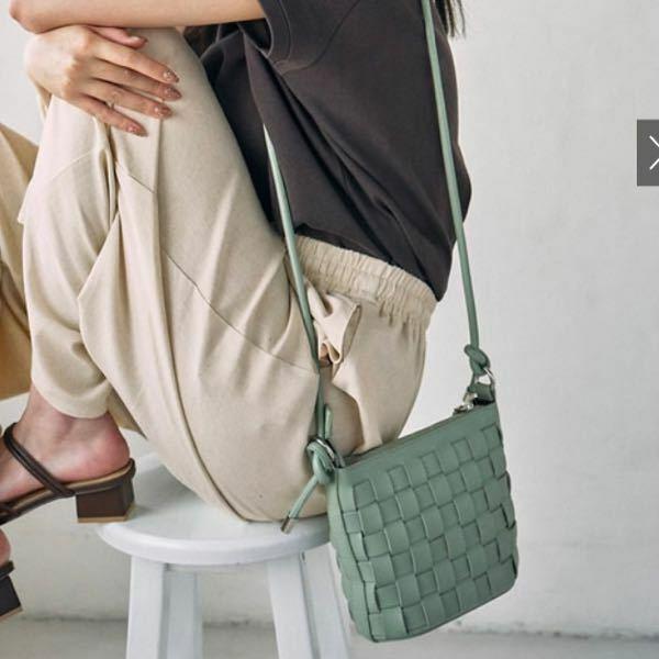 GRLのモデルさんが持ってた、このバッグがどこに売ってるか分かりませんか?
