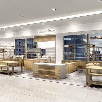 こういうのをつくるのはコスメキッチンの本部の方がやってらっしゃるのですか?それとも、マッシュホールディングが設計事務所に依頼をして店舗を作り上げているのですか?