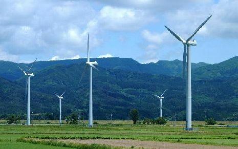 なぜターボで発電しないのですか。 ・・・・・・・・・・・・・・・ やっぱし納得いかないのですが。 排気ガスの風圧で発電すればハイブリッドカーてモーターで走る電気が増えていいのでは。 排気ガスの風圧で発電するってようするに風力発電みたいなものだと思うのですが。 それって技術的にもコスト的にも安いと思うのですが。 と質問したら。 それでF1のホンダは苦しんだ。 という回答がありそうですが。 ...