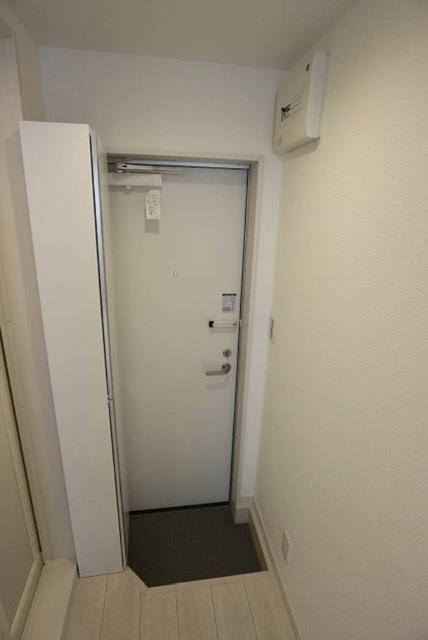 廊下の幅は88cmですが、靴箱に邪魔されて入口が狭そうです。 横幅48cmの冷蔵庫、搬入できると思いますか?+6cmはみてくださいと言われました。
