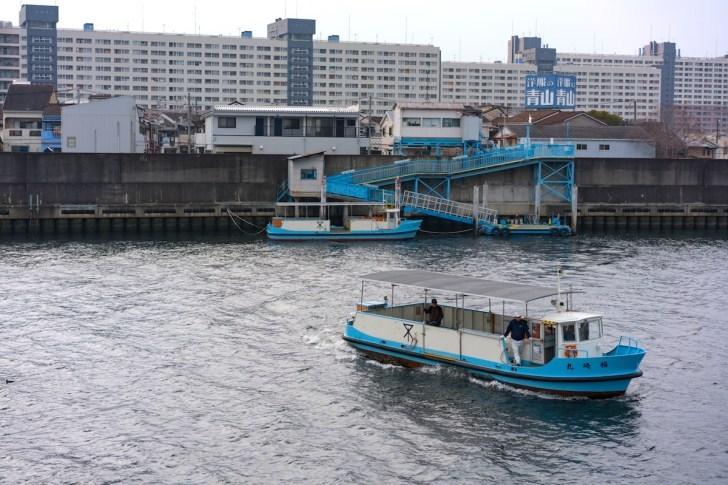 木津川の渡船ってどこに排気管があるんですか?