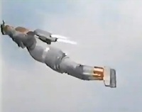 空を飛ぶ特撮ヒーローの中で好きな飛び人形は何ですか? 光速エスパーの飛び人形の操演は、光速だけに他の番組の飛び人形より 飛んでいるスピードが速くないですか?