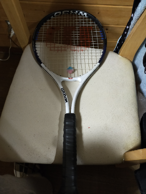 テニスラケットの件で教えて欲しいです。 Wilson WH30(soft shock)ラケットは硬式テニス用でしょうか ️