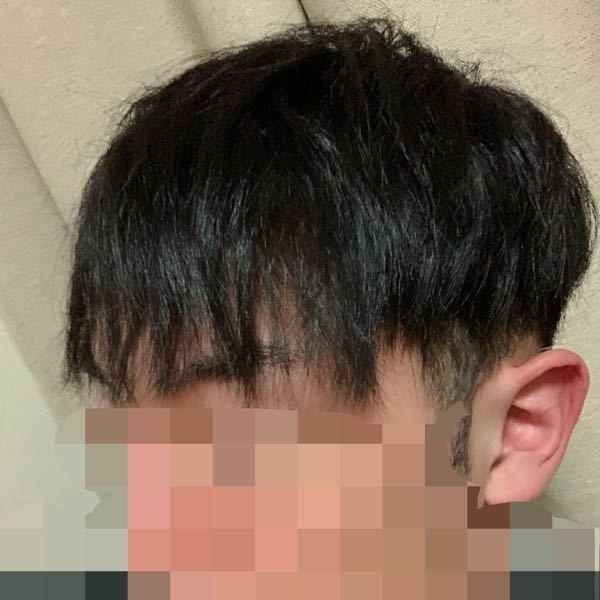 この髪型のようなパサパサの天パなのですが、セット次第でかっこよくなるものなのでしょうか? いつもはオールバックでジェルで固めているので髪をおろしたヘアスタイルも楽しんでみたいのでセット方法も教えていただけると幸いです。