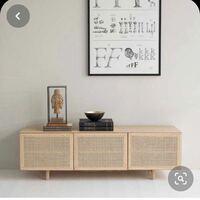 画像のようなテレビボードをDIYで作りたいと思っています。 全くの初心者ですが、作れるでしょうか? 木材はホームセンターで揃えて、カットなどもしてもらう予定です。 ラタンのシートも海外通販サイトで購入済...