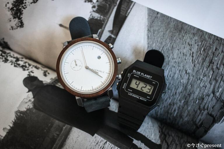 左側の時計のブランドをもしわかる方がいましたら教えて頂きたいです。