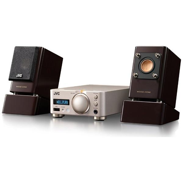 PC用スピーカーについて。 なくべく小型のスピーカーを探しております。 店頭での試聴したところ、BOSEの3万円程のBose Companion 20 multimedia speaker sy...