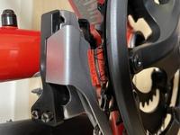 クロスバイクのギアにシールが貼ってあったんですが、取っても大丈夫ですか?  何のためのシールでしょうか。