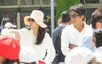 反町隆史さんと松嶋菜々子さんが子供の運動会を見に来ていた時の写真なんですがやっぱりサングラスしてても分かりますか?