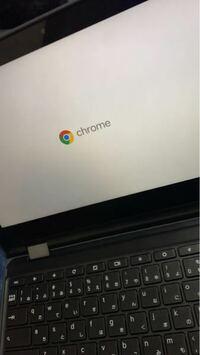 Chromebookがこの画面から変わらないのですが、故障でしょうか?? ( ;ᯅ; ) 学校で使ってるChromebookです、 電源の再起動をしようとしましたが出来ませんでした