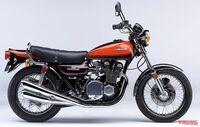 なぜバイクのシートてビニールに代わる素材が出ないのですか。 ・・・・・・・・・・・・・・・ たぶんバイクが発明されてからバイクのシートてビニールのままだと思うのですが。 なぜ今は21世紀なのにビニールに代わる素材て出て来ないのですか。  と質問したら。 雨が降るから。 という回答がありそうですが。  21世紀になってもまだ雨ですか。  それはそれとして。 防水の革とかありそうなものだと思うの...