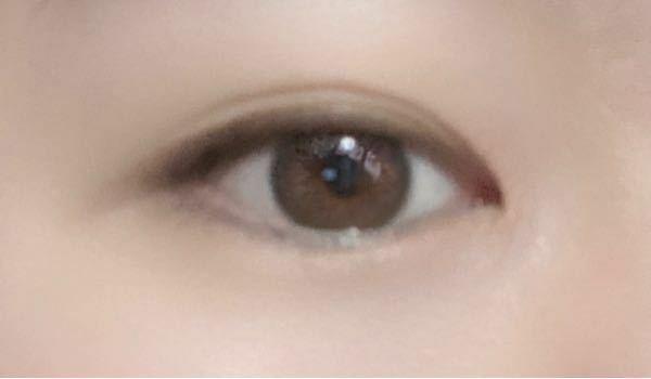 この目は蒙古襞どれくらい強いですか? 教えて下さるとありがたいです。 よろしくお願いします。