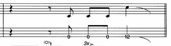 ベースの譜面です この小節の最後の部分の弾き方が分かりません。 どうやったらいいんでしょうか?