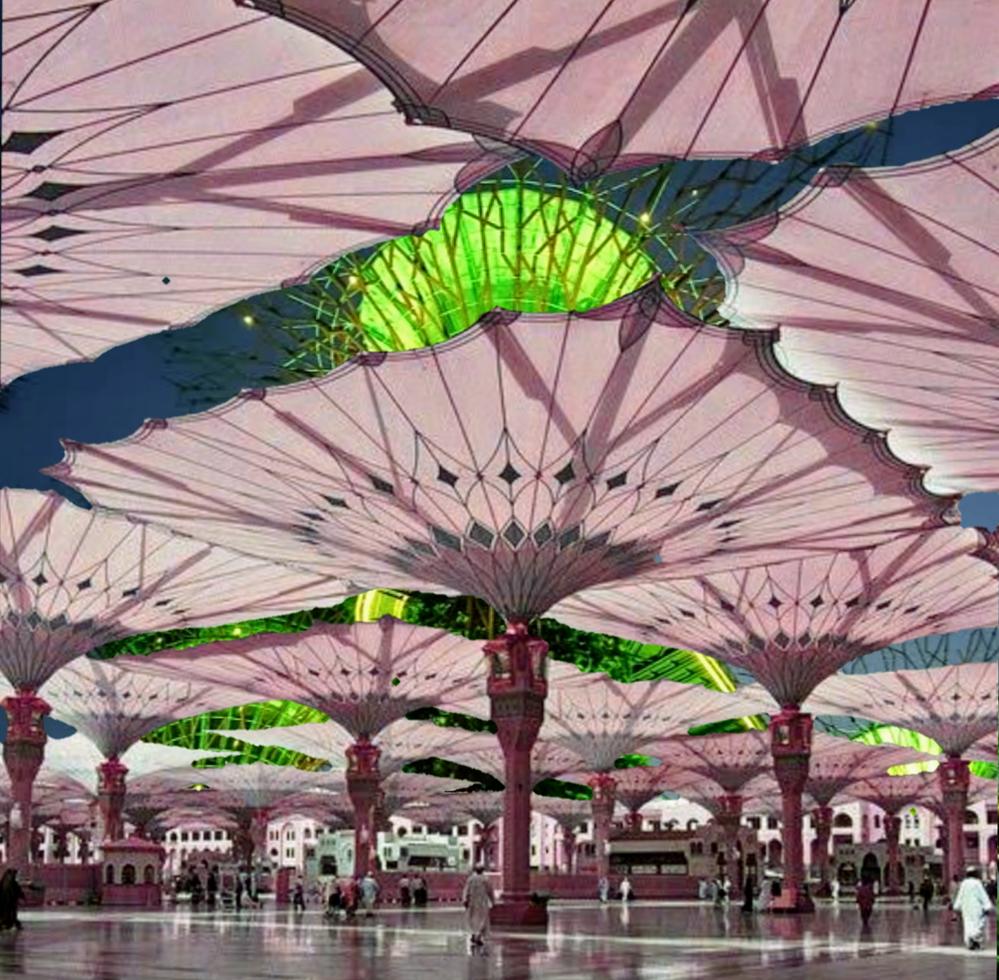 ネットで拾った画像です。ガーデン・バイ・ザ・ベイ(シンガポール)のピンクの傘の広場はなんていう名前ですか?あるとしたらどの辺にありますか?この写真、縮尺がおかしい気がするんですが実在する場所なんですか?