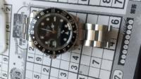 これはロレックスの時計です。 今時間などを合わせたのですがあっていますか?(今は10時32分から33分の間)  あとこの状態でも使えますかね?秒針は回っています。