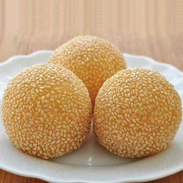 母の日に韓国料理を作る予定です。デザートを胡麻団子にするのは変ですか?もしそうであれば何が合いますか?