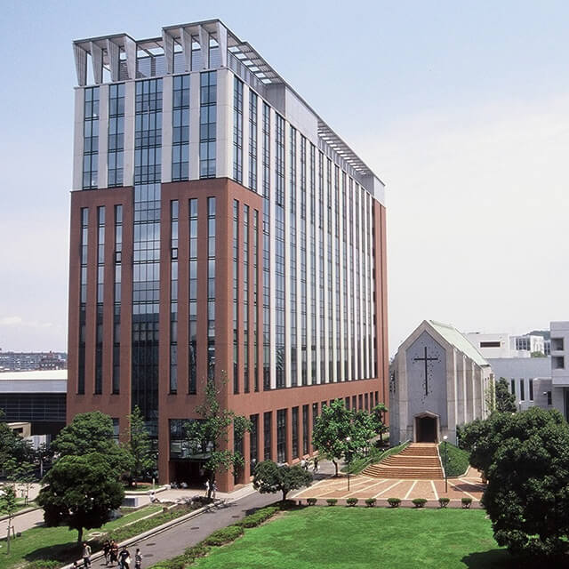 関東学院大学と関西学院大学は、どちらの方がハイレベルですか?