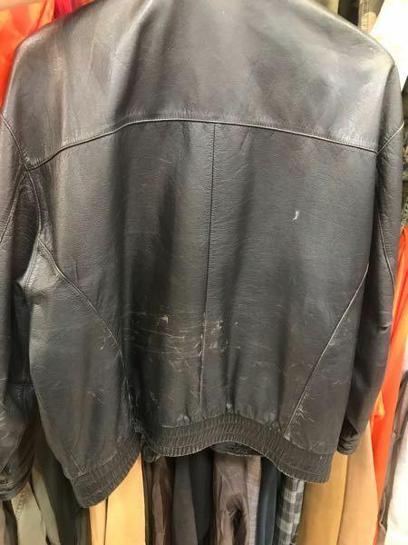 ライダースジャケットについたこのような傷は修復可能でしょうか?