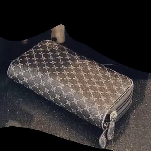 これってどこの財布かわかる方いますか??(><)