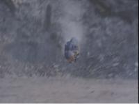 『倒れても残った頭部だけで動き、ビーファイターに襲いかかるディノザーラ』 数ある特撮作品の中で「倒されても、体の一部のみの状態で襲い掛かってきた怪人・怪獣」と聞き、思い浮かべたのは何ですか? ※この質問では王道となる「ウルトラセブン」の『猛毒怪獣ガブラ』以外で回答してください。