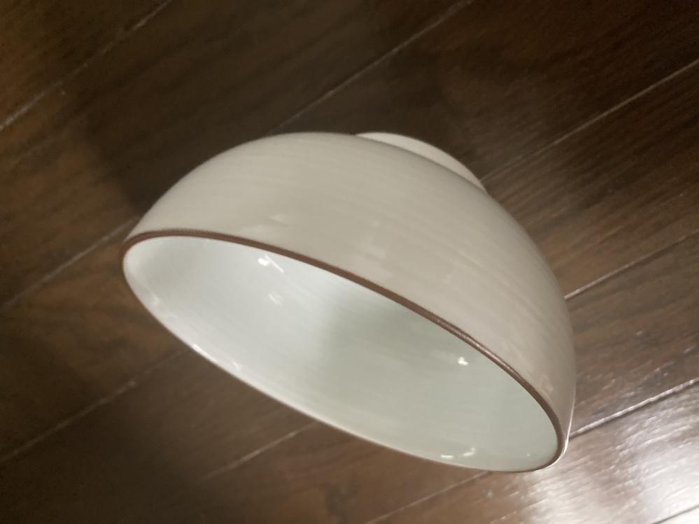 この食器の名前知ってる人いますか? 会社でもなんでも構いません。 情報提供お願いします。