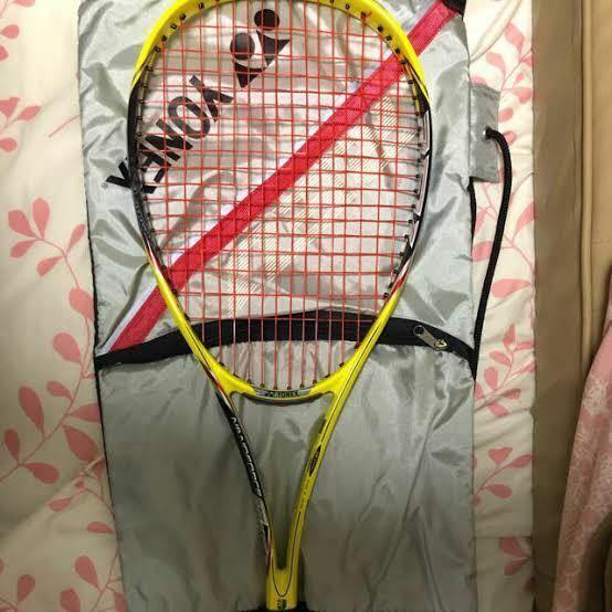 このソフトテニスラケット何か分かりますか?