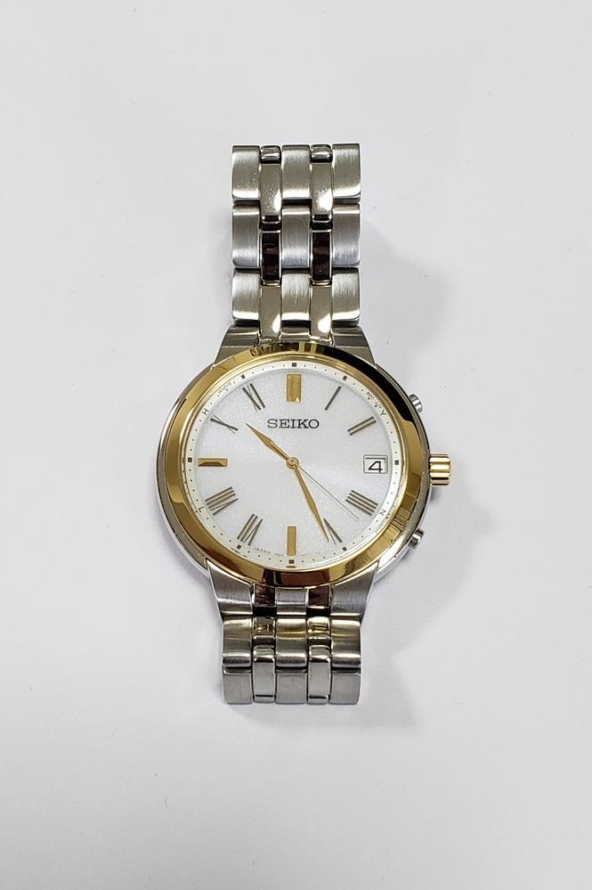 最近腕時計に興味を持ち、きちんとした腕時計を持っていなかった為、セイコーセレクションのメンズ腕時計を購入しました。 当方30代後半の女です。 ソーラー電波で指輪(ゴールド・プラチナ)に合う色とい...
