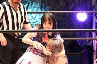 "SKE48の新井優希""選手""が東京女子プロで本格デビューしましたが 同じSKEを卒業した松井珠理奈さん(エムズアライアンズに加入)みたいに どこかのユニットに参加する可能性はありますかね?"