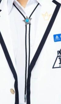 ネックレスのようなこの紐はなんて言う名前ですか?同じものを作りたいので教えてください