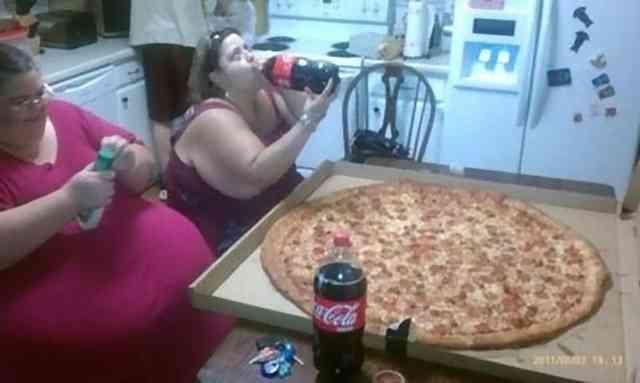 ▲アメリカの宅配ピザは安いらしいですが美味いのですか!?