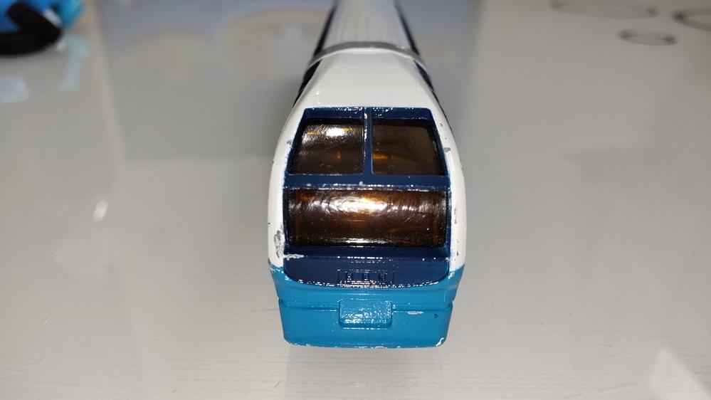 この電車は何という電車ですか? 貰い物でパッケージなど無かったのでなんの電車か分かりません。 鉄道に詳しい方、宜しくお願いします。