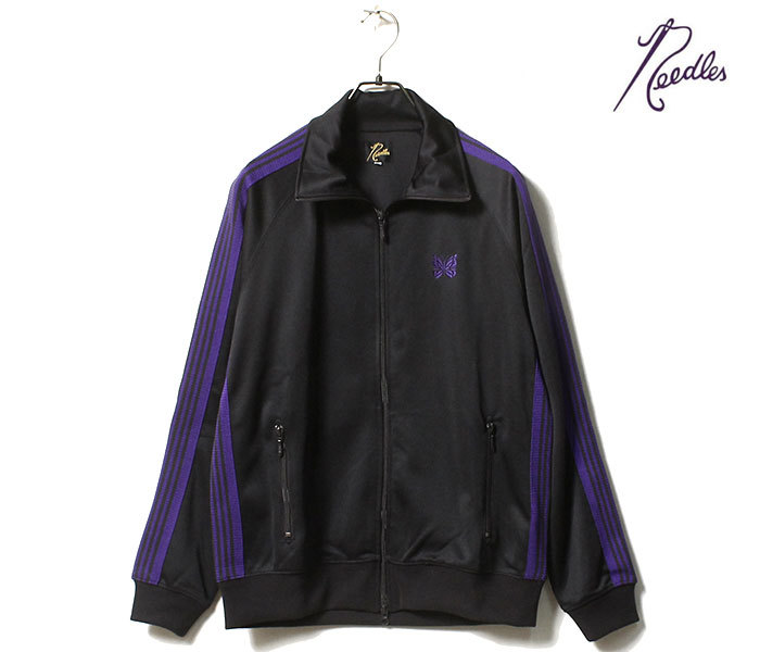 このneedlesのジャケットのことで質問です。 セットアップの下は複数タイプの型があると思うんですけど、上も複数の型があるんですか?